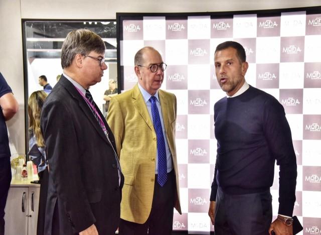 Paulo Griebeler (IBTeC), Marco Copetti (Sebrae/RS) e Alexandre Birman (Arezzo)
