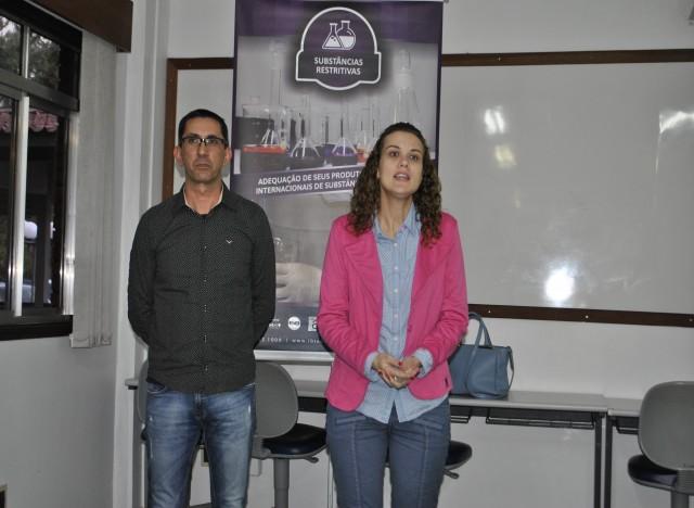 Paulo Model (Coordenador Técnico do IBTeC) e Carolina Rostirolla (Sebrae)