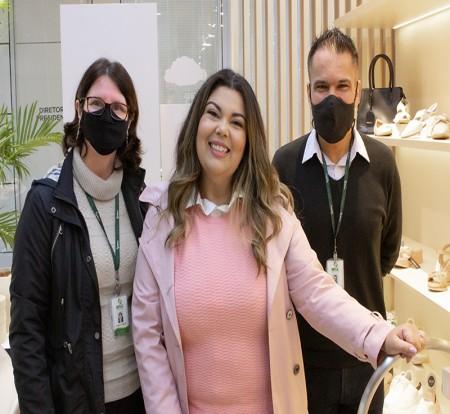 Laboratório de Biomecânica do IBTeC mediu pés de Fabiana Karla, para que Piccadilly produza calçados ainda mais confortáveis para a embaixadora da marca